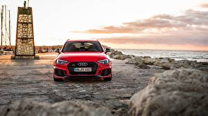 Картинка Audi Спереди Красная Универсал 2018 RS4 Avant машина