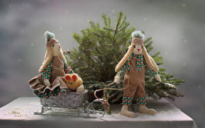 Обои Ветки Кукла Двое Санки Шапки