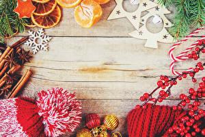Фотография Новый год Ягоды Корица Доски Снежинки