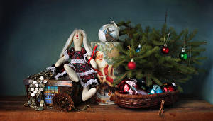 Обои Рождество Ветвь Шар Кукла Шишки