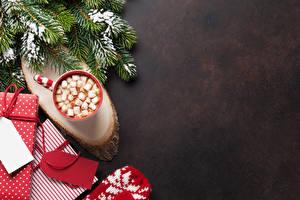Фотографии Рождество На ветке Чашке Маршмэллоу Подарки