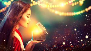 Картинка Новый год Шатенка Подарки Девушки