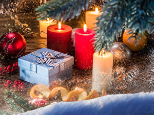 Картинки Рождество Свечи Подарки Шарики