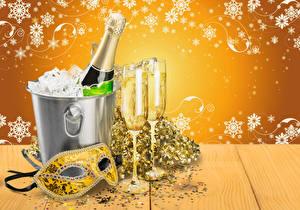 Картинка Рождество Игристое вино Маски Бокалы Снежинки Бутылка Ведро Пища