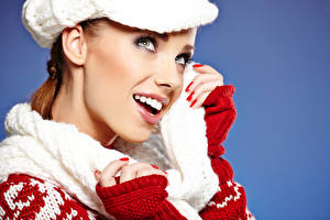 Фотография Рождество Цветной фон Лицо Зубы Смотрит Девушки