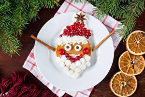 Картинки Рождество Клюква Тарелка Дизайн Санта-Клаус Зефирки Пища