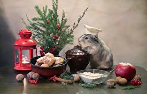 Картинка Рождество Морские свинки Свечи Печенье Яблоки Орехи Корица Ветвь Фонарь