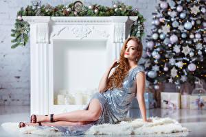 Картинка Рождество Праздники Шатенка Платье Девушки