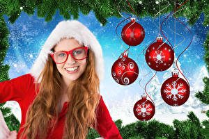 Обои Новый год Рыжая Улыбка Очки Шарики Снег