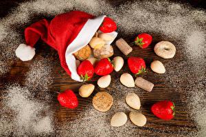Фото Рождество Клубника Печенье Мука В шапке Пища