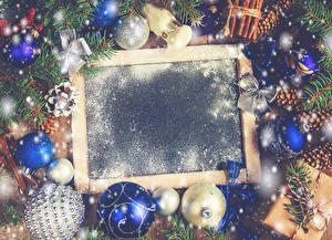 Фотография Новый год Шаблон поздравительной открытки Шишки Шарики Бантик