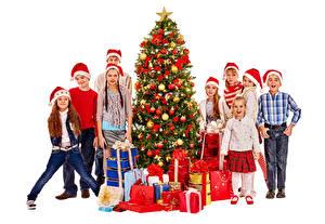 Картинка Рождество Белом фоне Мальчики Девочки Шапка Елка Подарки Дети