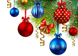 Картинки Новый год Белый фон Ветки Шарики Колокольчики Бантик