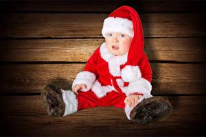 Обои Рождество Доски Младенца Униформа Шапка Смотрит Ребёнок