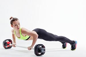 Картинка Фитнес Белом фоне Шатенки Тренируется Отжимание Планка упражнение Спорт Девушки