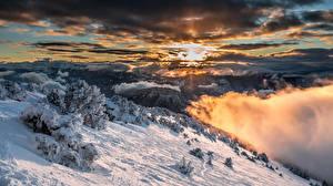Фото Франция Горы Зима Небо Альпы Ель Снег Облака Sarcenas Природа