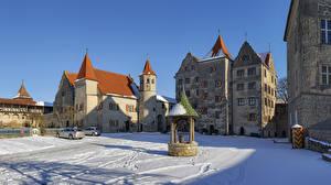 Картинка Германия Замки Зимние Городской площади Колодец Снег Harburg Castle Города
