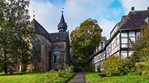 Картинки Германия Здания Храмы Церковь Деревья Goslar