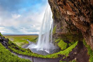 Картинки Исландия Водопады Скала Seljalandsfoss waterfall