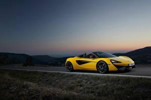 Картинки Макларен Желтый Кабриолет 2017 570S Spider Worldwide Автомобили