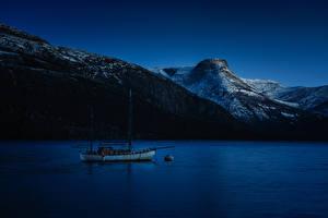 Фотография Норвегия Горы Речка Яхта Ночные