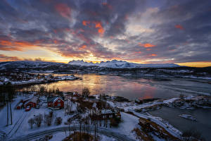 Картинки Норвегия Пейзаж Зимние Небо Реки Дома Снег Bodo Природа