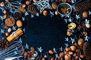 Обои для рабочего стола Орехи Рождество Шишка Звездочки Какао порошок