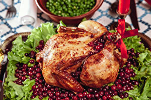 Картинки Курица запеченная Клюква Овощи Пища