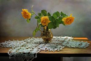 Фото Розы Ваза Желтый Цветы