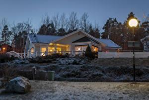 Обои Швеция Дома Вечер Зима Уличные фонари Города