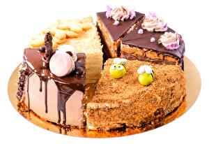Картинки Сладости Шоколад Торты Белый фон Пища