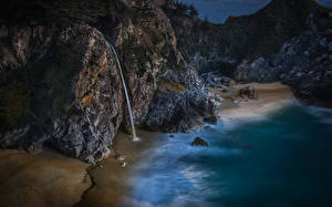 Картинка США Берег Водопады Вечер Калифорнии Утес Природа