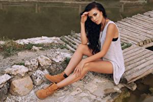 Фото Брюнетка Сидящие Ноги Девушки