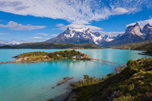 Картинки Чили Озеро Горы Остров Мосты Небо Пейзаж Pehoe Lake Patagonia Природа