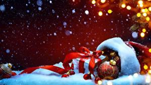 Фотографии Рождество Подарки Шар