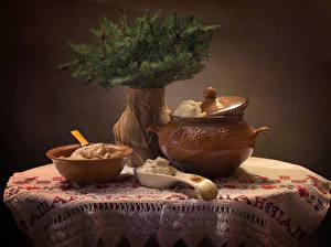 Фото Новый год Натюрморт Вареники Ваза Ветвь Сливки Еда