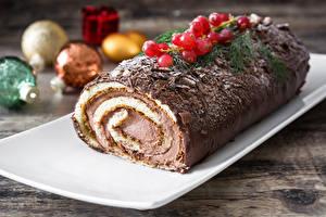 Обои Рождество Рулет Шоколад Ягоды Еда