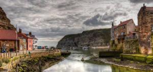 Картинки Англия Здания Река Утес Staithes Города