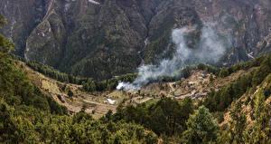 Обои Леса Скала Дым Everest Nepal Природа