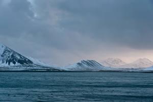 Фотографии Исландия Горы Речка Зимние