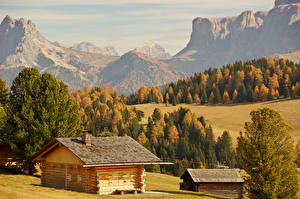 Картинки Италия Горы Леса Здания Осенние Bolzano