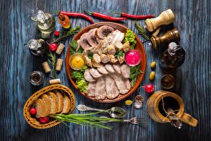 Картинка Мясные продукты Ветчина Хлеб Доски Тарелка Кувшин