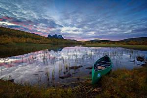 Фотография Норвегия Озеро Лодки Небо Вечер Sulitjelma Природа