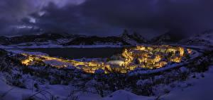 Фото Испания Здания Зимние Горы Озеро Снег Ночные Riano