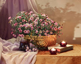 Фотография Натюрморт Астры Свечи Корзинка Книга Чашке цветок
