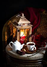 Картинки Натюрморт Свечи Чай Чайник Фонарь Чашка Шарф Пища