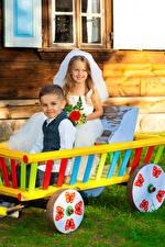 Фото 2 Мальчики Девочки Жених Невеста Улыбка Дети