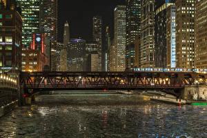 Картинка США Дома Мосты Чикаго город Ночные Водный канал Города