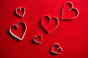 Фотография День всех влюблённых Красный фон Сердечко