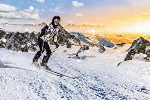 Фото Зимние Лыжный спорт Снег Шлем Очки Спорт